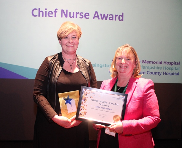 2 - Libby Matthews (L) and chief nurse Julie Dawes (R).JPG